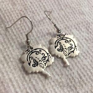 Butterfly pierced earrings